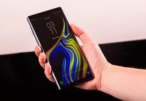 Samsung Galaxy Note 9 đáng mua hơn Galaxy S9? - Ảnh 1.