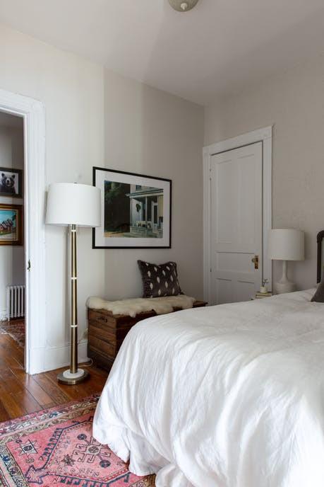 Nhặt nhạnh bí kíp tô điểm không gian sống nhỏ hẹp qua căn hộ ở Brooklyn - Ảnh 8.