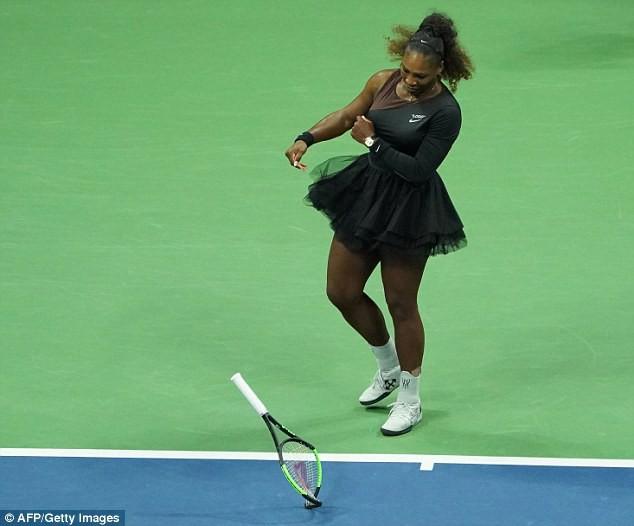 Serena Williams nhận án phạt từ WTA - Ảnh 1.