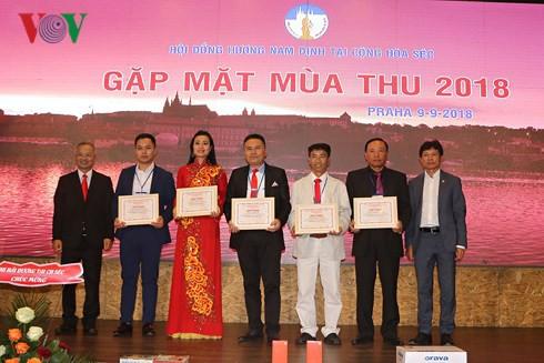 Phát huy truyền thống hiếu học của người Nam Định tại CH Czech - Ảnh 1.