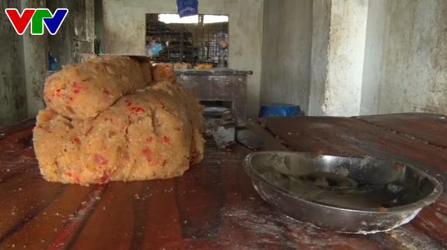 Quảng Nam: Tạm đình chỉ hoạt động một cơ sở sản xuất bánh trung thu - Ảnh 1.