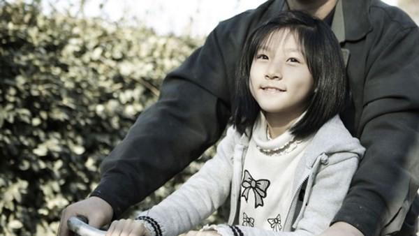 Mẹ ruột của sao nhí một thời Kim Sae Ron gây sốt vì... trẻ không tưởng - Ảnh 3.