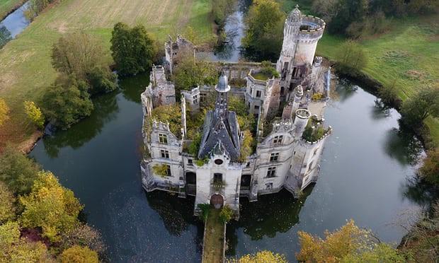 Tòa lâu đài nghìn năm tuổi sống lại nhờ điều kỳ diệu - Ảnh 1.
