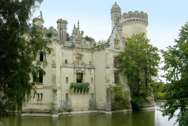 Tòa lâu đài nghìn năm tuổi sống lại nhờ điều kỳ diệu - Ảnh 6.