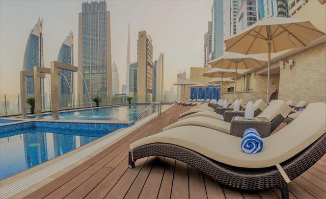 Bên trong khách sạn sang chảnh cao và đắt nhất thế giới - Ảnh 2.