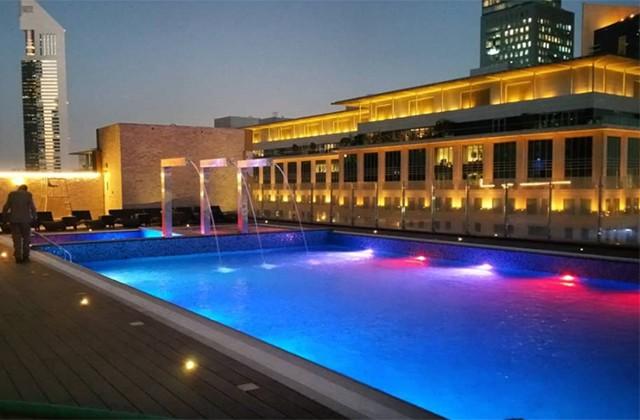 Bên trong khách sạn sang chảnh cao và đắt nhất thế giới - Ảnh 5.