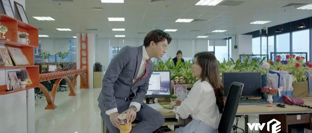 Yêu thì ghét thôi: Chiêu trả thù của Kim (Phanh Lee) khiến sếp soái ca cứng họng - Ảnh 1.