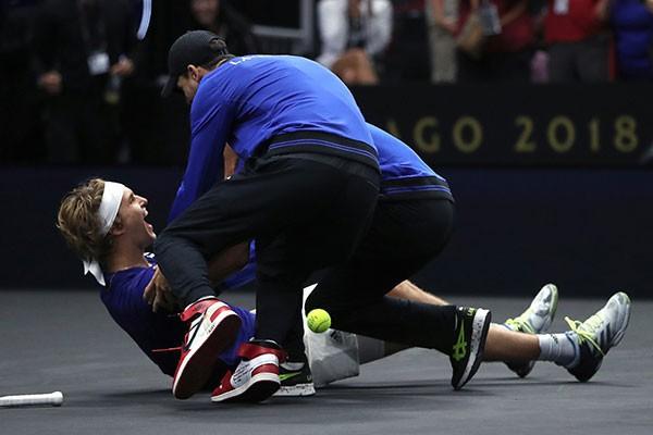 Federer và Zverev thắng liền 2 trận, đội châu Âu bảo vệ thành công chức vô địch Laver Cup - Ảnh 2.
