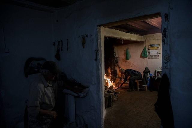 Cuộc sống lặng lẽ khó tin trong ngôi làng chỉ có… hai cư dân - Ảnh 15.
