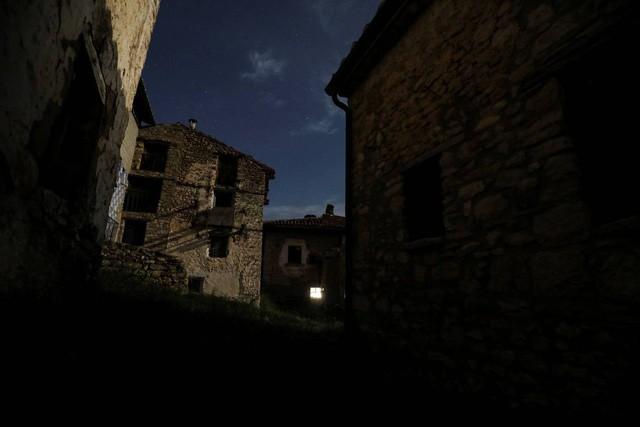 Cuộc sống lặng lẽ khó tin trong ngôi làng chỉ có… hai cư dân - Ảnh 5.