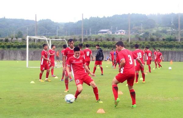 U19 Việt Nam giao hữu với U19 Trung Quốc trước thềm VCK U19 châu Á 2018 - Ảnh 2.