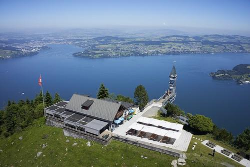 """Cả """"thiên đường"""" lọt vào tầm mắt trên chiếc thang máy ngoài trời cao nhất châu Âu - Ảnh 3."""