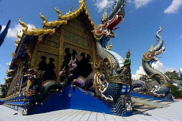 Mê mẩn trước ngôi đền xanh biếc, trăm năm tuổi - Ảnh 1.