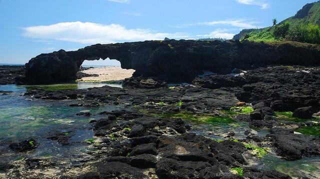 Quảng Ngãi: Kỳ thú vòm đá núi lửa hàng triệu năm tuổi dưới đáy biển - Ảnh 5.