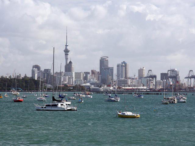 Top 15 thành phố nhìn ra biển đẹp nhất thế giới - Ảnh 1.