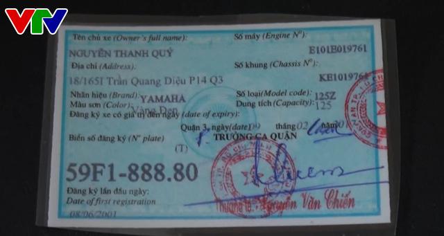 Phú Yên: Bắt 3 đối tượng làm giả giấy tờ xe gắn máy - Ảnh 1.