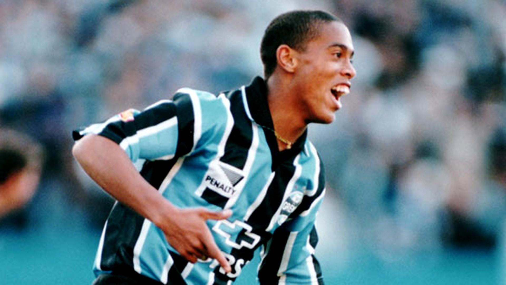Bóng đá là hành trình thỏa niềm vui: Thế giới từng có một Ronaldinho như thế - Ảnh 7.