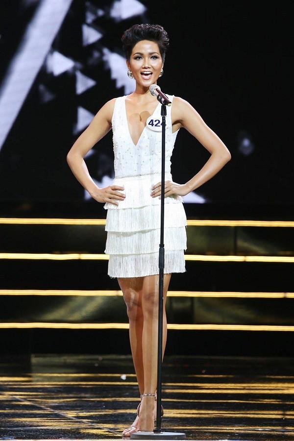 H'Hen Niê và cú lội ngược dòng lên ngôi Hoa hậu Hoàn vũ Việt Nam 2017 - Ảnh 9.