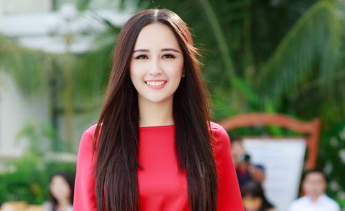 Mai Phương Thúy chấm thi Hoa hậu Hoàn vũ Việt Nam - Ảnh 1.