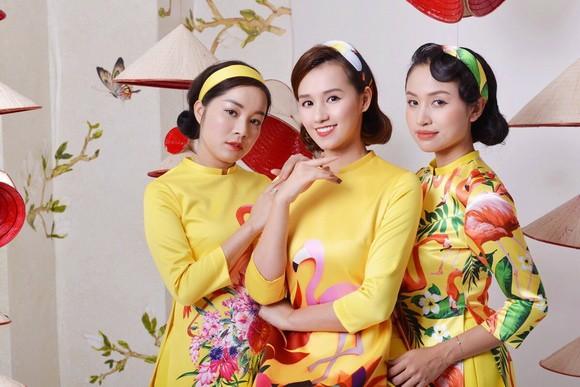 Thanh Vân Hugo cùng hội chị em khoe áo dài đón Tết - Ảnh 6.