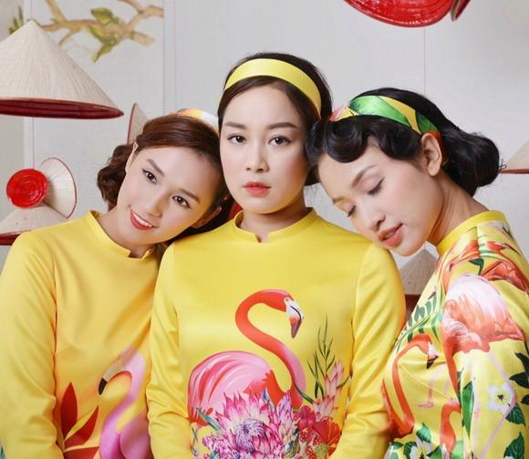 Thanh Vân Hugo cùng hội chị em khoe áo dài đón Tết - Ảnh 2.