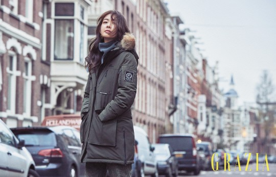 Lee Yo Won đẹp mong manh trong bộ ảnh mới - Ảnh 4.