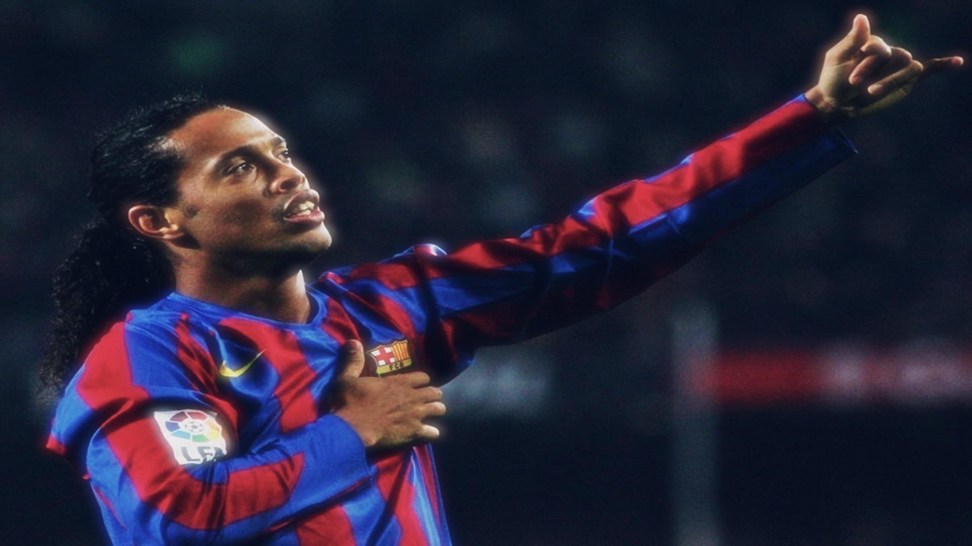 Bóng đá là hành trình thỏa niềm vui: Thế giới từng có một Ronaldinho như thế - Ảnh 2.