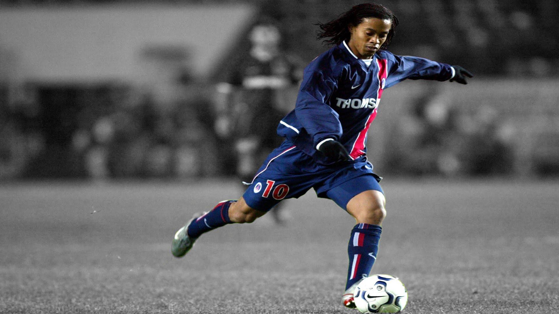 Bóng đá là hành trình thỏa niềm vui: Thế giới từng có một Ronaldinho như thế - Ảnh 10.