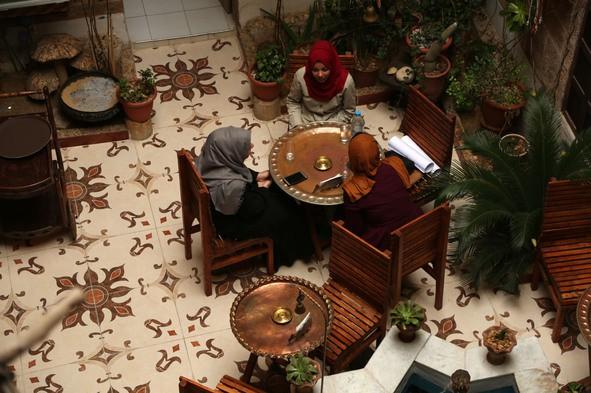 Nhà cổ hàng trăm năm tuổi lột xác thành nhà hàng ở dải Gaza - Ảnh 3.