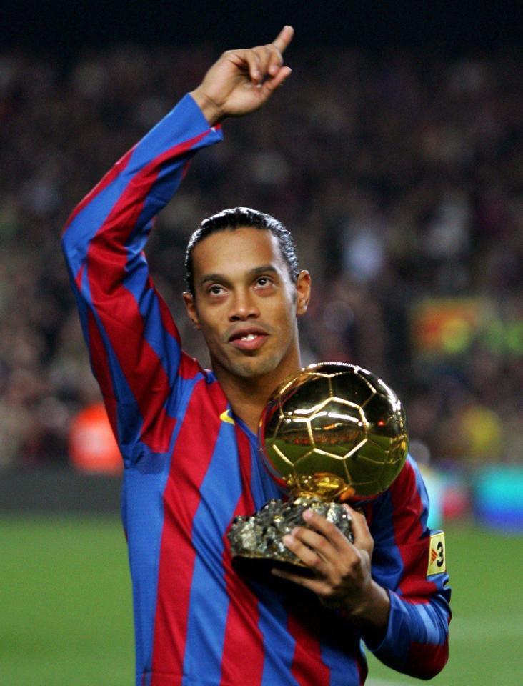 Bóng đá là hành trình thỏa niềm vui: Thế giới từng có một Ronaldinho như thế - Ảnh 18.