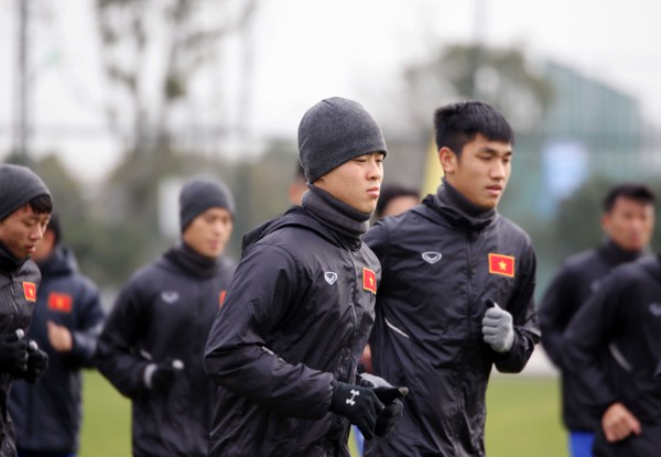 U23 Việt Nam tập buổi đầu tiên tại Trung Quốc - Ảnh 1.