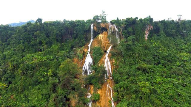 Thác nước cao 120m đẹp đến mê hồn ở xứ Nghệ - Ảnh 2.
