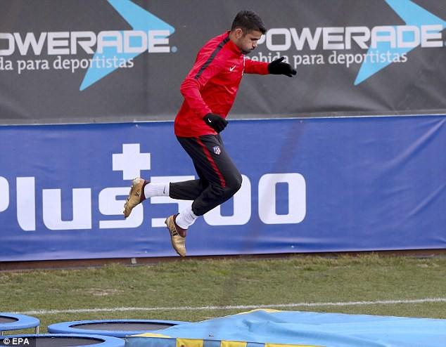 """Diego Costa """"hùng hục"""" tập luyện chờ ngày tái xuất - Ảnh 2."""