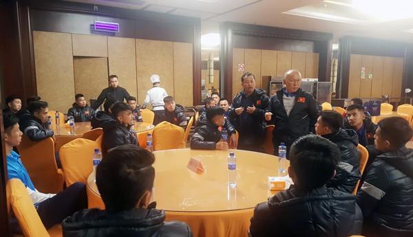 ĐT U23 Việt Nam đã có mặt tại Trung tâm thể thao Kim Sơn – Thượng Hải - Ảnh 2.