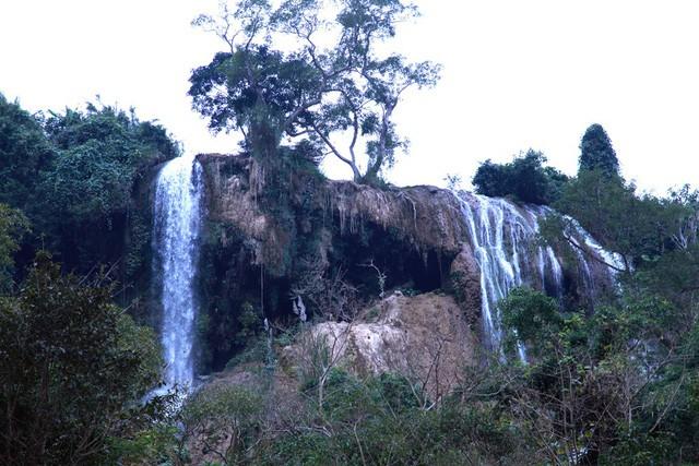 Thác nước cao 120m đẹp đến mê hồn ở xứ Nghệ - Ảnh 3.