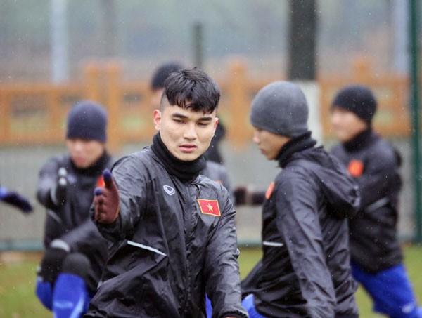 U23 Việt Nam điều chỉnh khối lượng tập luyện vì thời tiết xấu - Ảnh 4.