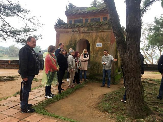 Vẻ đẹp ngôi chùa hơn 400 năm tuổi cổ nhất xứ Huế - Ảnh 3.