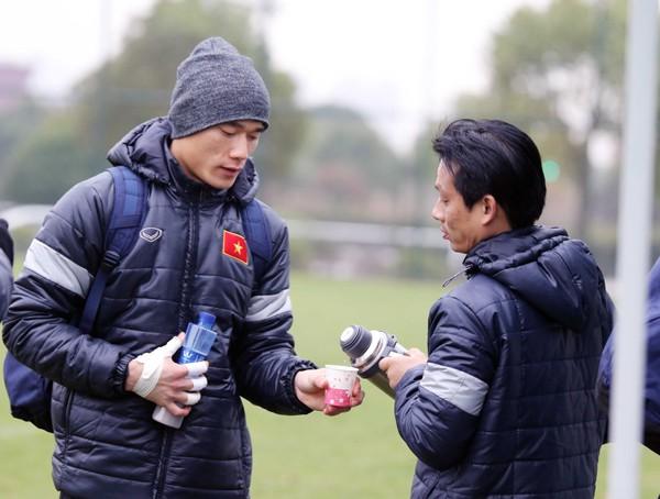 U23 Việt Nam tập buổi đầu tiên tại Trung Quốc - Ảnh 3.