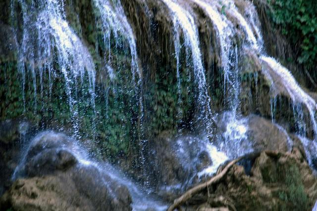 Thác nước cao 120m đẹp đến mê hồn ở xứ Nghệ - Ảnh 4.