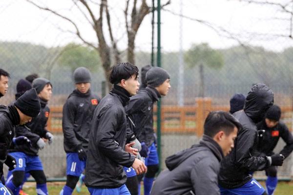U23 Việt Nam điều chỉnh khối lượng tập luyện vì thời tiết xấu - Ảnh 5.