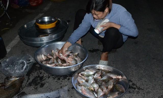 """Những phiên chợ """"âm phủ"""" đặc biệt nhất Việt Nam - Ảnh 6."""