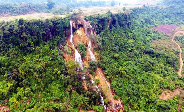 Thác nước cao 120m đẹp đến mê hồn ở xứ Nghệ - Ảnh 8.
