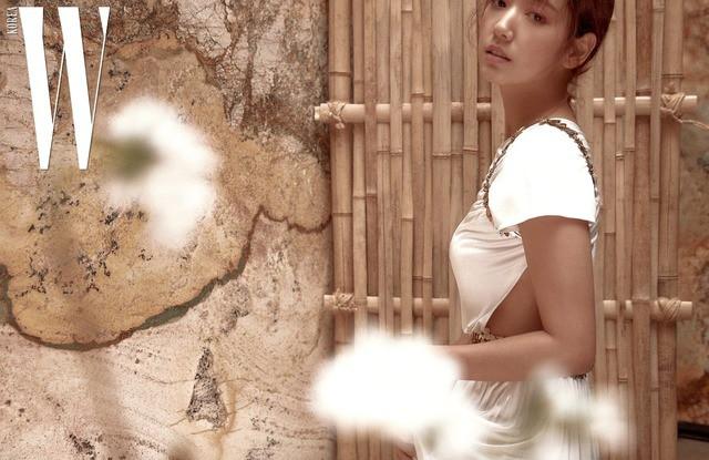 Park Shin Hye giản dị khó tin, Go Joon Hee sang chảnh hết phần - Ảnh 4.