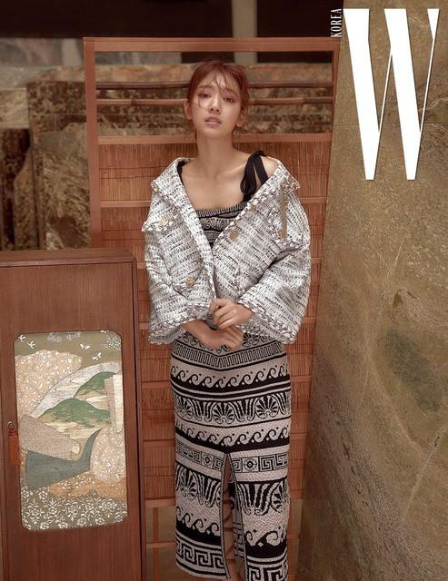 Park Shin Hye giản dị khó tin, Go Joon Hee sang chảnh hết phần - Ảnh 6.