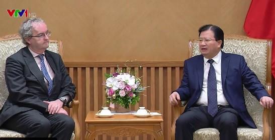Đề nghị EIB hỗ trợ Việt Nam phát triển hạ tầng - Ảnh 1.