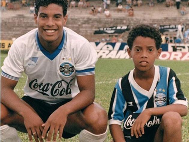 Bóng đá là hành trình thỏa niềm vui: Thế giới từng có một Ronaldinho như thế - Ảnh 6.
