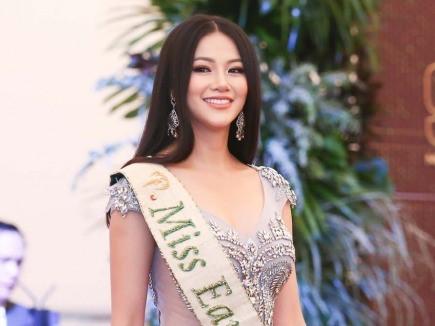 Học lỏm bí quyết làm đẹp của Hoa hậu Phương Khánh trong chương trình Sống mới - Ảnh 1.