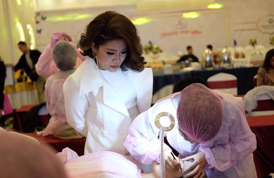 Gặp gỡ nữ giám đốc xinh đẹp người tạo nên cuộc thi Queen Beauty 2019 - Ảnh 5.