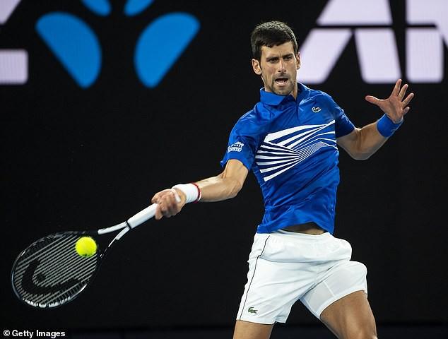 Djokovic sắp qua mặt kỷ lục gia Federer về số danh hiệu - Ảnh 1.