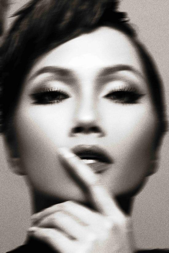 Khi HHen Niê theo phong cách Audrey Hepburn - Ảnh 12.
